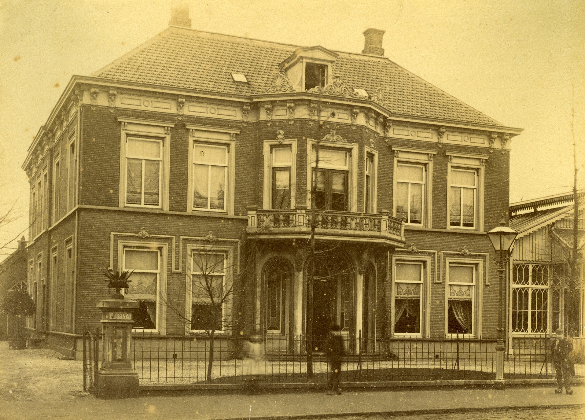 Villa Josina, de eerste plek waar de bieb zich vestigde